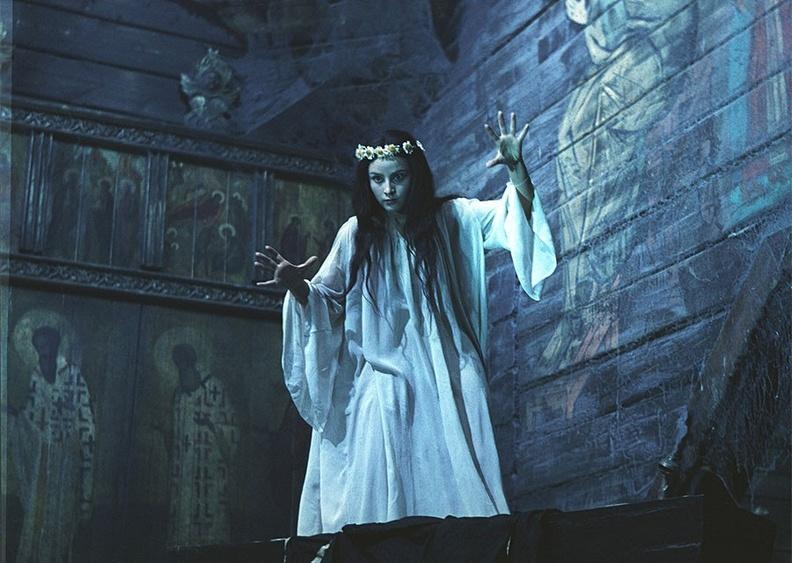 Наталья Варлей - Вий - Наташа встала - 2.jpeg